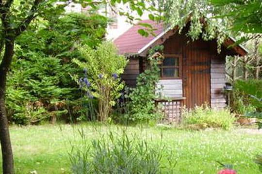 Taxe cabane de jardin: comment lapayer? Comment l'éviter ?