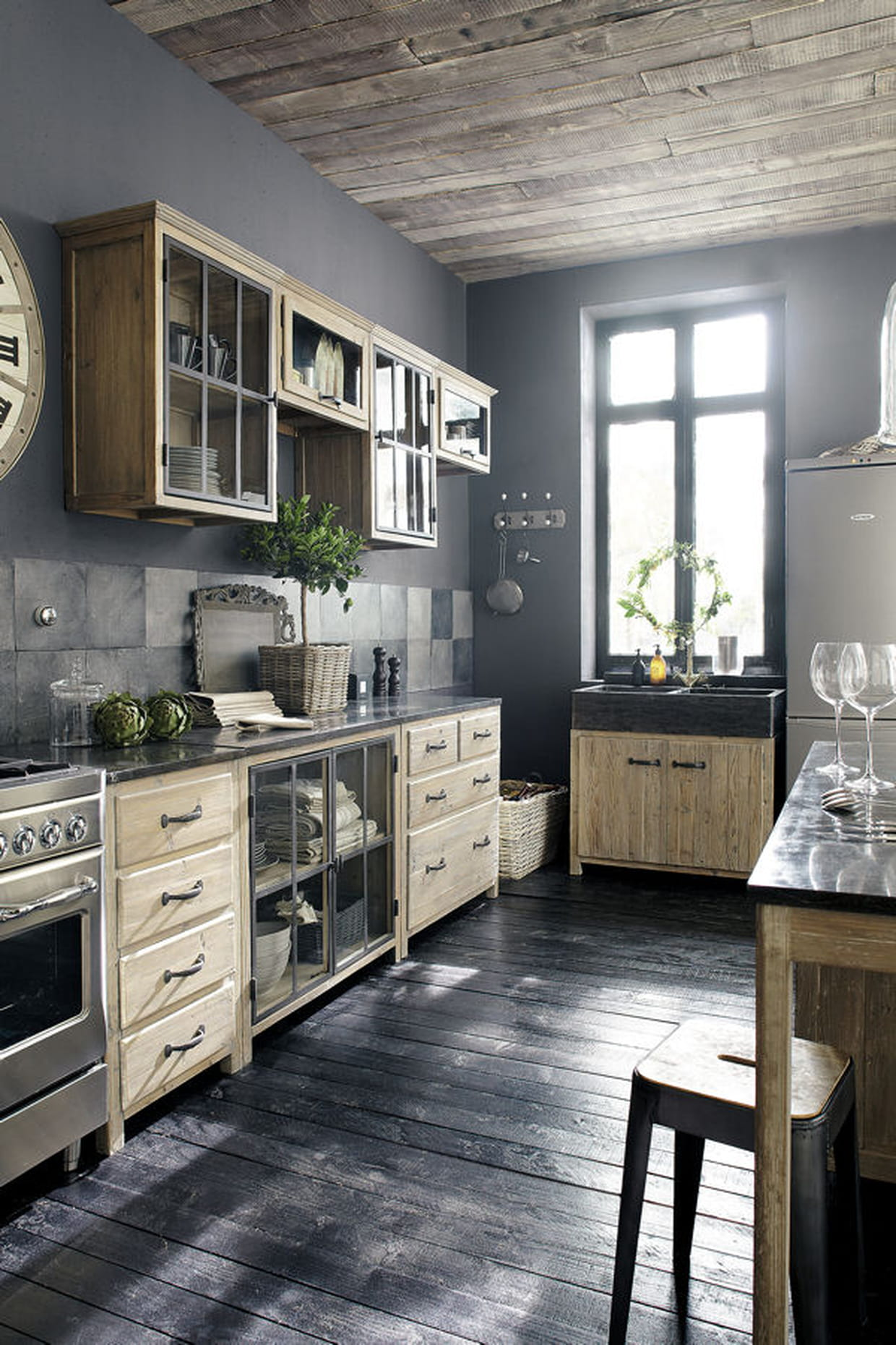 une cuisine esprit brocante. Black Bedroom Furniture Sets. Home Design Ideas