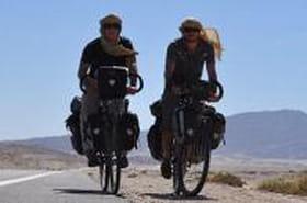 Le tour du monde à vélo de deux jeunes diplômés