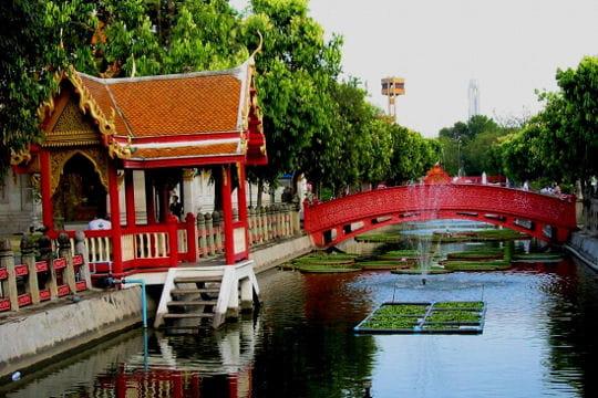 Le temple de Wat Benchama Bophit
