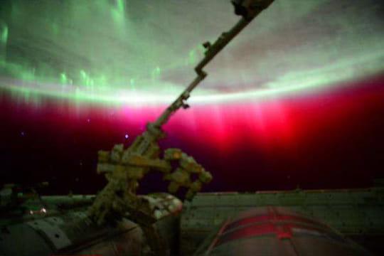 Rare : une aurore boréale rouge observée depuis l'Espace