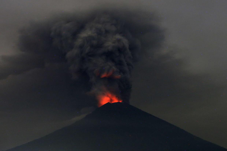 Reprise des activités à l'aéroport de Bali — Volcan Agung