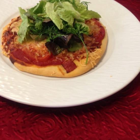 Entrée : La Musardière  - Pizza maison ,salade .. Un délice ! -