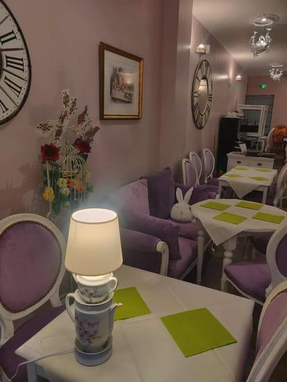 Restaurant : Alice et ses Merveilles  - L'étage, cosy -   © Alice & ses Merveilles