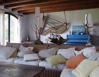 Une maison, un artiste : Gilbert Bécaud à La  Bussière, le paradis de Monsieur 100 000 volts