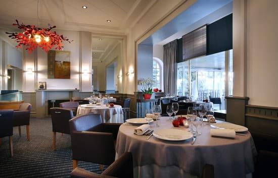 Le Bateau Ivre par Jean Pierre Jacob  - Salle restaurant intérieure  -   © Gérard Cottet