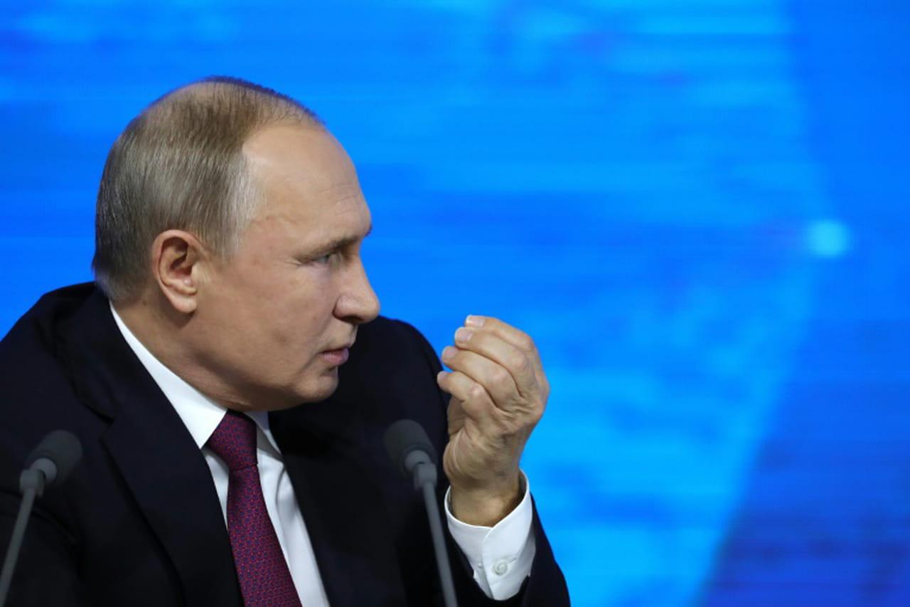 """Pour Poutine, l'Occident veut freiner """"la montée en puissance"""" de la Russie"""