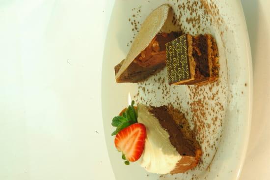 Dessert : A l'Image Sainte-Anne - Kyriad Vannes  - Assiette de desserts maison -   © restaurant A l'Image Sainte Anne