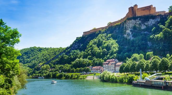 Franche-Comté: villes, que voir, visiter, météo, histoire, le guide