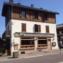 Restaurant : Au Village  - En face de l'Office de Tourisme de COMBLOUX -