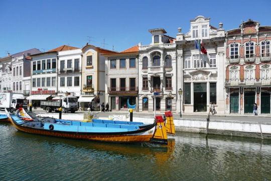 Aveiro, ancienne ville de pêche et ses canaux