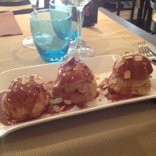 Dessert : Au Patio  - Profiteroles Bretonne -