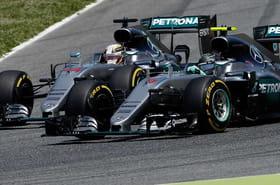 F1 GP Espagne : l'incroyable accident entre Hamilton et Rosberg ! [photos et vidéo]