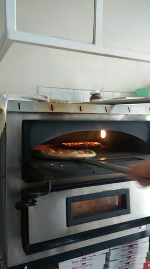 Plat : Roma Pizza  - Il faut bien tourner la pizza -