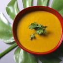 Entrée : Yellow Kitchens  - Velouté de légumes -   © Yellow Kitchens
