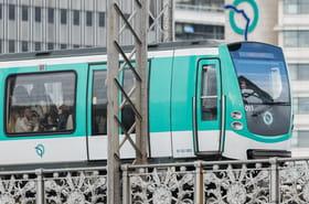 Attaque dans le métro à Paris : de l'acide? une rixe entre SDF?