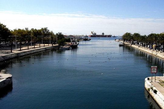 Canal d'Arles à Bouc
