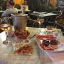 Restaurant : La Treille de l'Abbé  - Vin et diner léger (wine and a light dinner). http://www.imafoodie.blog -   © Angela Speed