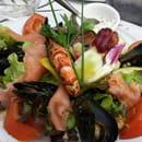 Entrée : Le César  - Salade de la mer  -
