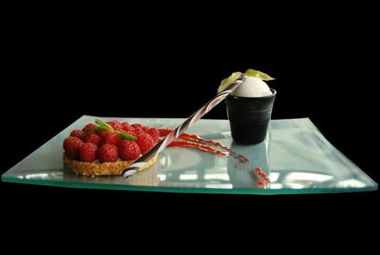 La Table du Roy  - tarte au spéculos et framboises -   © la table du roy