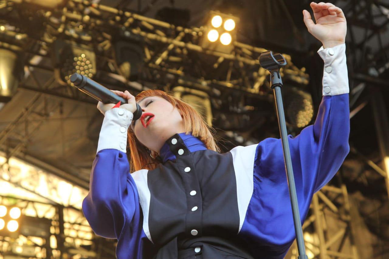 """Suzane: qui est la chanteuse, qui dévoile son album """"Toï Toï""""?"""
