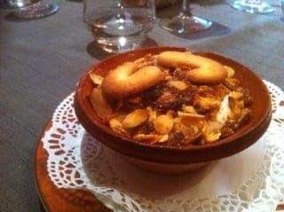 """Dessert : Le Tirou  - Un """"cassoulet"""" au dessert ? On reste dans l'ambiance... Délicieux ! -"""