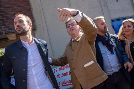Mélenchon: des policiers manifestent devant le siège de LFI
