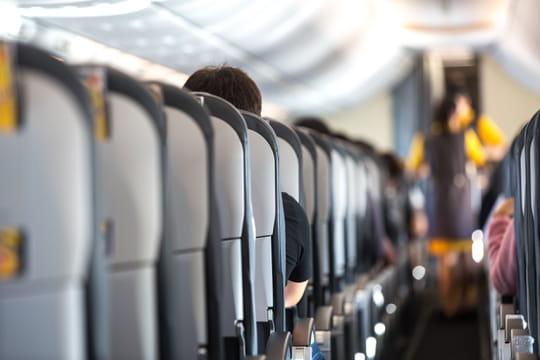 Une passagère hystérique se fait expulser d'un vol [VIDEO]