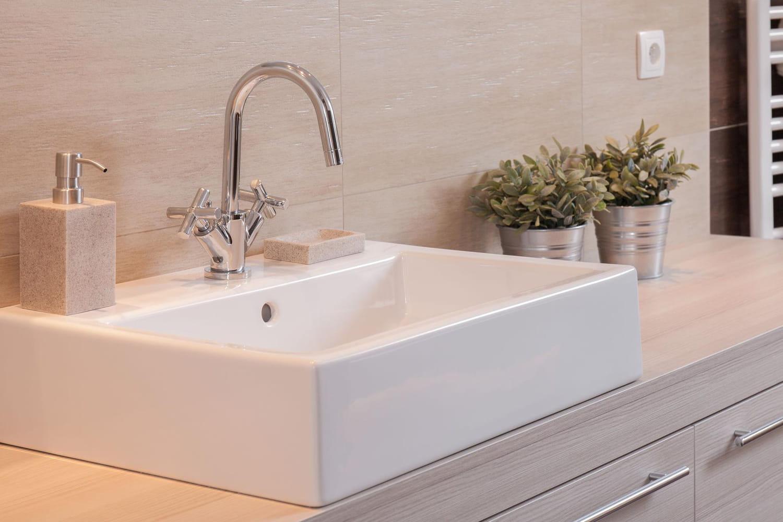 Robinet de salle de bains: nos conseils pour bien le choisir