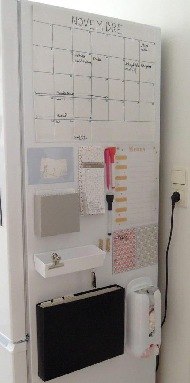 une porte de frigo pour organiser son quotidien. Black Bedroom Furniture Sets. Home Design Ideas