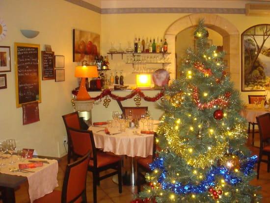 Restaurant des Gourmets  - Salle restaurant Noël -   © Denis