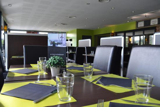 Restaurant : Le Domaine des Cigognes  - Intérieur -   © Domaine des Cigognes