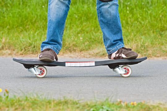 Waveboard: comment faire du skate à deux roues