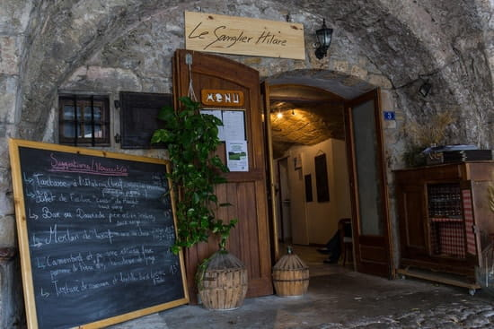 Le Sanglier Hilar  - Entrée du restaurant -   © Marc Lacan