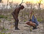 Un mannequin chez les Bushmen