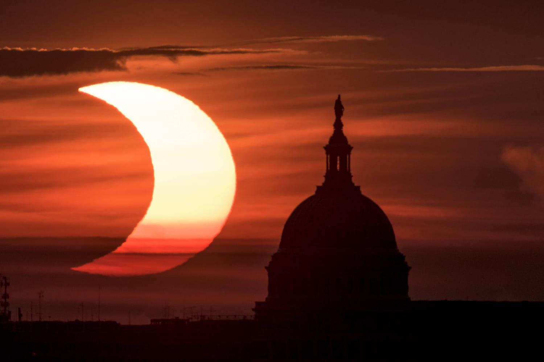 Eclipse solaire 2021: ses plus belles photos, son observation en France