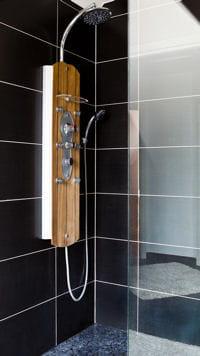 poser une colonne de douche. Black Bedroom Furniture Sets. Home Design Ideas