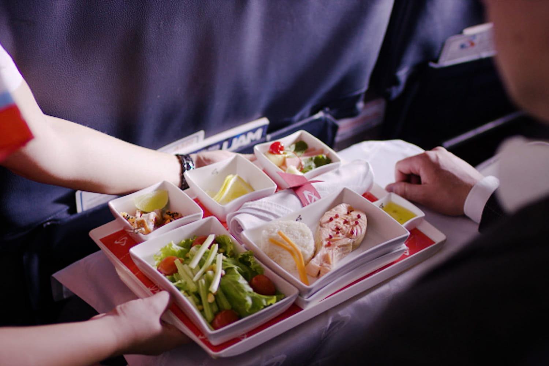 Repas spéciaux en avion: menus, comment faire pour commander? Infos