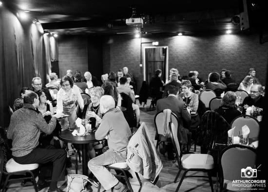 Restaurant : Les Folies Angevines  - Salle pyramide un soir de représentation -   © Non