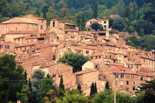 Les plus beaux villages de provence - Banque de france salon de provence ...