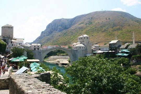 Mostar: son pont, son village