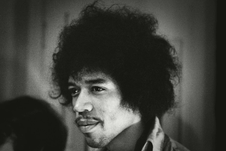 Jimi Hendrix: biographie d'un guitariste de légende à la mort mystérieuse