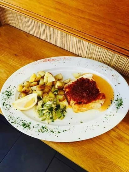 Plat : Le Passy  - Pavé de merlu sauce chorizo  -