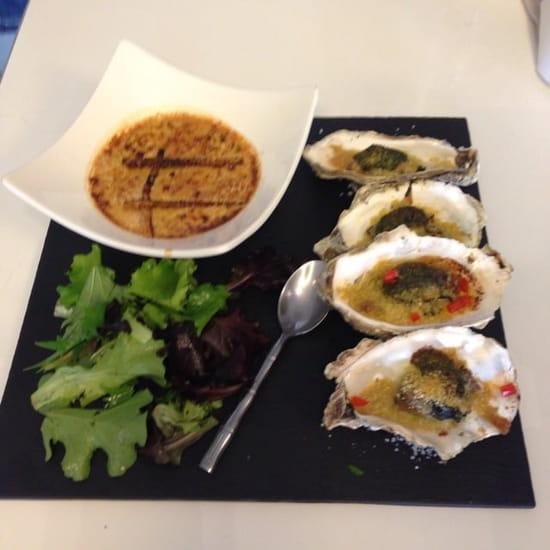 Restaurant : Terre et Mer  - Huîtres farcies au foie gras et crème brûlée au foie gras frais -