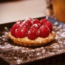 Dessert : Le Poivre Rose  - Tartelette aux framboises -   © Léa Lévi