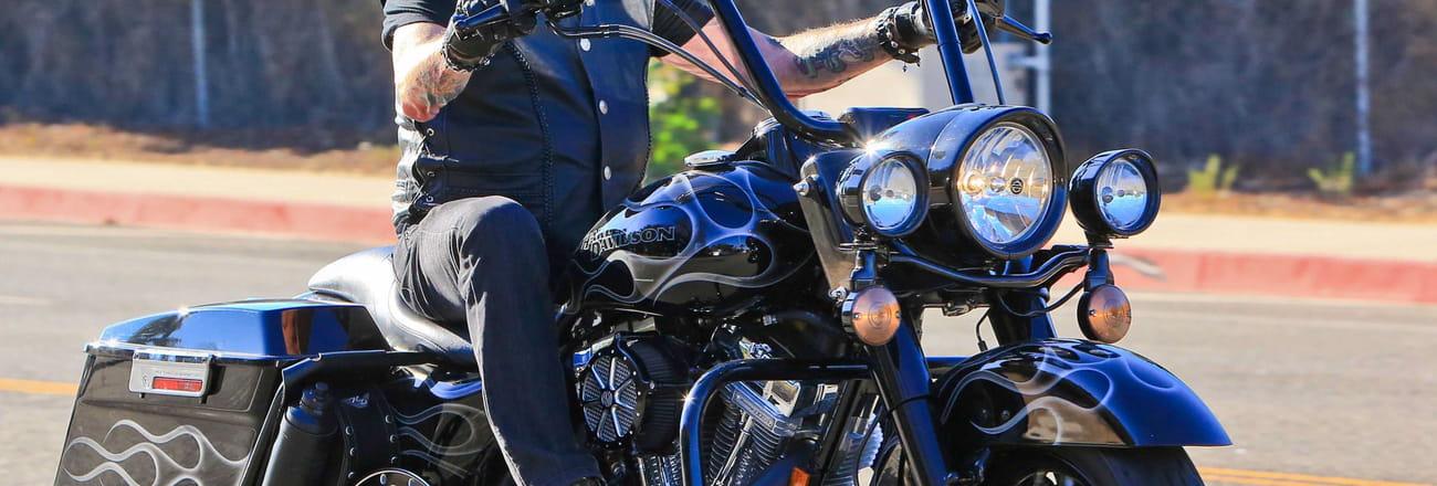 Voitures et motos de Johnny Hallyday: ses bolides d'exception