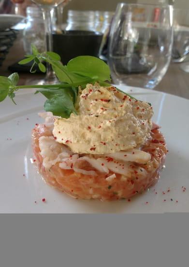Entrée : Domaine de l'Epau  - Domainedelepau_lemans_restaurant_leverger_archedelanature_Tartare de saumon_effeuillé de homard_bisque en chantilly. -   © Photos des plats,