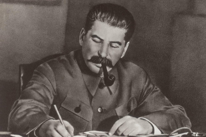 Staline: biographie courte et parcours détaillé du tyran de l'URSS