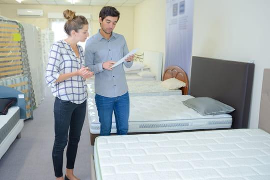 comment choisir un surmatelas. Black Bedroom Furniture Sets. Home Design Ideas
