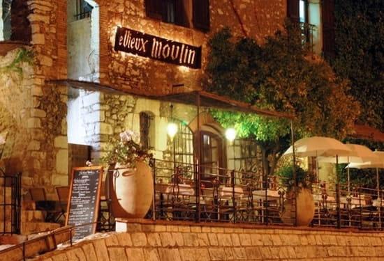 Le Vieux Moulin  - au dîner  -   © Le Vieux Moulin